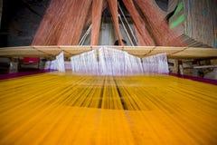 Традиционное сари Jamdani в Mirpur Benarashi Palli Дакке, Бангладеше Стоковые Изображения RF