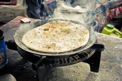 традиционное хлеба зажаренное в духовке индейцем просто Стоковое фото RF