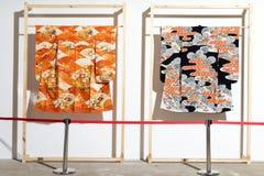 Традиционное японское платье самураев Костюмы кимоно для человека и женщины Одежда гейши Стоковые Изображения