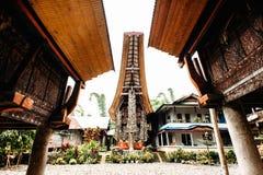 Традиционное torajan здание tongkonan с высекать и рожками буйвола на фасаде Tana Toraja, Rantepao, Сулавеси, Индонезия Стоковые Изображения