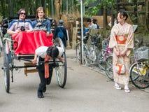 Традиционной японской рикша вытягиванная рукой в Arashiyama Стоковое Изображение