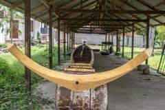 Традиционно украшенные длинные каное, Лаос Стоковая Фотография RF