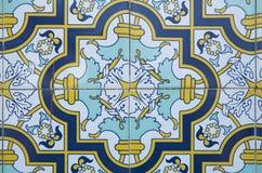 Традиционные богато украшенные португальские декоративные плитки бесплатная иллюстрация