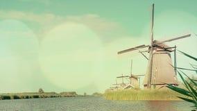 Традиционные ветрянки на Голландии E акции видеоматериалы