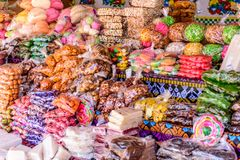 Традиционные гватемальские конфеты во время одолженный стоковое фото rf