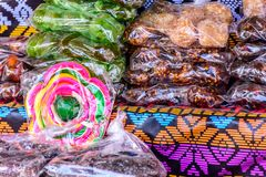 Традиционные гватемальские конфеты во время одолженный стоковые фотографии rf