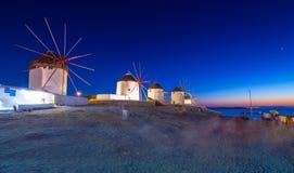 Традиционные греческие ветрянки на острове Mykonos, Кикладах Стоковая Фотография RF