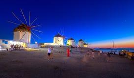 Традиционные греческие ветрянки на острове Mykonos, Кикладах Стоковые Фото