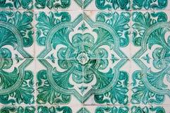 Традиционные красочные azulejos в Лиссабоне, Португалии - зеленых плитках Стоковые Фото