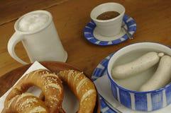 Традиционные немецкие введенные в моду еда и гончарня стоковая фотография
