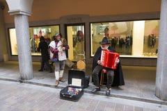 Традиционные певицы улицы Швейцарии Стоковые Изображения