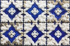 Традиционные португальские плитки azulejo на здании в Порту, p Стоковое Изображение