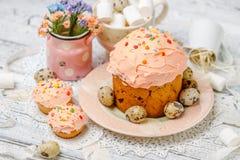 Традиционные торт и пирожные пасхи Стоковое Изображение RF