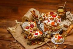 Традиционные торт и пирожные пасхи Стоковые Изображения