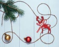 Традиционные украшения ` s Нового Года Предпосылка для рождественской открытки стоковые фото