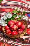 Традиционные яичка покрашенные пасхой Стоковые Фотографии RF