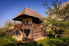 Традиционный деревенский дом в Румынии Стоковые Изображения