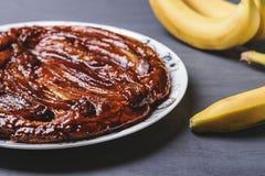 Традиционный домодельный пирог карамельки банана Французское tatin tarte Стоковое Изображение RF