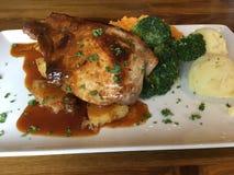 Традиционный ирландский цыпленок еды с овощами Стоковое фото RF