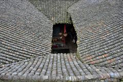 Традиционный квадратный дом в деревне клана Qin старой в провинции Guangxi в Китае Стоковые Фотографии RF