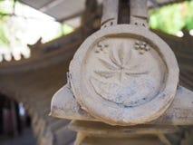 Традиционный китайский увял голубые керамические стрехи стоковые фото
