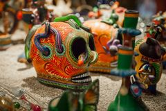 Традиционный мексиканский череп Dia De los Muertos  ceramiÑ бесплатная иллюстрация
