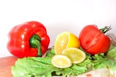Традиционный состав vegan овощей на столе стоковые изображения rf