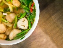 Традиционный тайский пряный суп стоковое изображение