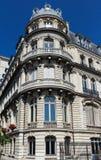 Традиционный фасад парижского здания, Франции Стоковая Фотография RF