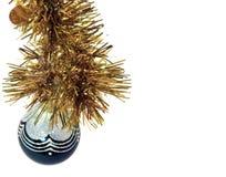 Традиционный шарик рождества Голубой boll изолированный на белом backgr Стоковая Фотография