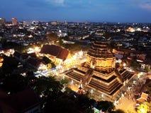 Традиция вида с воздуха Inthakin или Sai Khan Dok на Wat Chedi Luang в Чиангмае, Таиланде Стоковое Фото