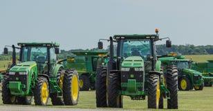 Тракторы фермы John Deere Стоковые Изображения