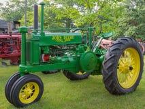 Трактор общего назначения John Deere Стоковые Фото
