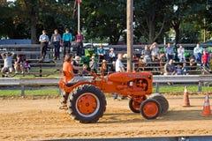 трактор петли с переворотом через крыло Стоковая Фотография RF