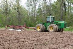 трактор плужка Стоковая Фотография RF
