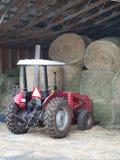 трактор сена порук стоковое фото rf