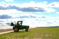 трактор спрейера 05 полей открытый Стоковое фото RF