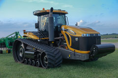 Трактор следа претендента MT865C CAT Стоковое фото RF