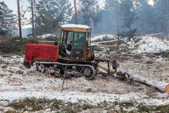 Трактор для экспорта журналов тимберса Стоковое Изображение