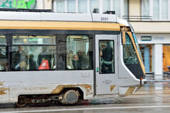 Трамвай Брюсселя на бульваре Луизе Стоковая Фотография