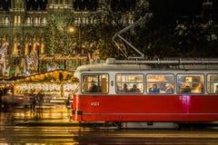 Трамвай Вены во времени рождества стоковое фото rf