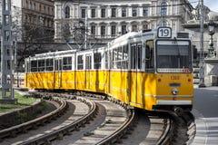 Трамвай в улицах стоковые изображения