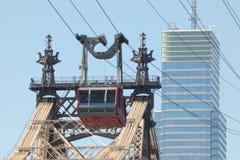 Трамвай острова Рузвельта в Нью-Йорке стоковое изображение