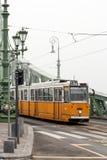 Трамвай пропуская через Будапешт Стоковое Изображение RF