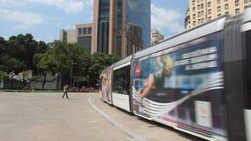 Трамвай VLT в квадрате Maua, Рио-де-Жанейро акции видеоматериалы
