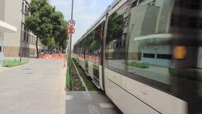 Трамвай VLT в квадрате Maua, Рио-де-Жанейро сток-видео