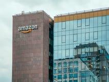 Транснациональная компания Амазонки американская основанная в Сиэтл, Вашингтоне электронная коммерция, вычислять облака стоковые фотографии rf