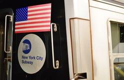 Транспорт автомобиля метро NYC знака MTA Нью-Йорка стоковое фото