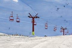 Транспорт в горах Bucegi, Румыния подъема стула Стоковое Изображение