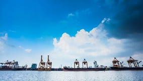 Транспорт грузового корабля контейнера видеоматериал